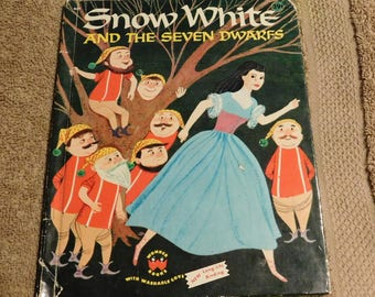 Snow White and The Seven Dwarfs by Wonder Books
