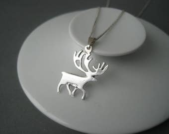 Lovely detailed reindeer sterling silver pendant, Sweden.