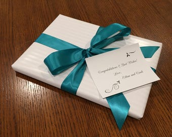 Gift wrapping and note card for cutting board