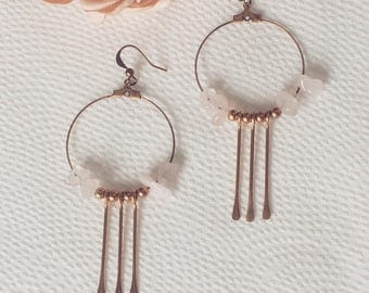 Creole earrings metal and bronze pendants and pinkish mineral pearls