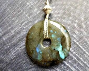 Blue flash donut labradorite pendant necklace-labradorite pendants-labradorite necklace-labradorite jewelry-sterling silver