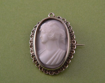 Silver Victorian Brooch / Pendant With A Shell Cameo (138i)