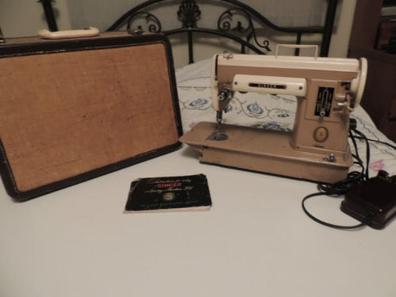 Vintage SINGER 301A Sewing Machine with case, slant needle, working