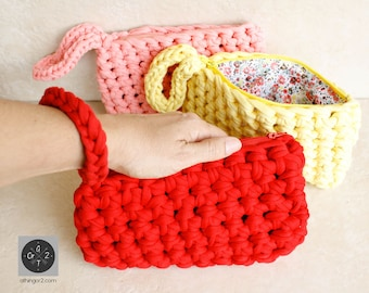 Clutch, wallet, phone pouch case made of recicled t-shirt (jersey) yarn in crochet with zipper and lining