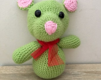 Crochet  mouse with bow