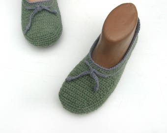 Women's linen home slippers Handmade shoes Green slippers Light crochet slippers Vegan Comfortable Linen shoes Eco-friendly Felt Sole