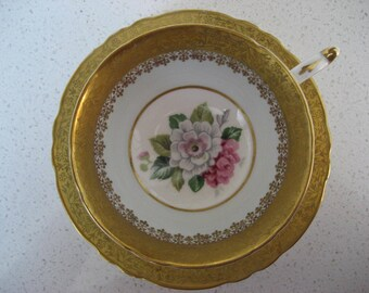 Vintage Paragon teacup and matching saucer - Plentiful gold design - Dog roses - made in England - Cabinet duo - circa 1960-63