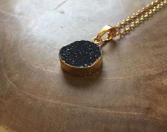 Black Druzy - minimal Crystal necklace with a black druzy pendant - semiprecious stone, grey, stone, round, minimal, geometric