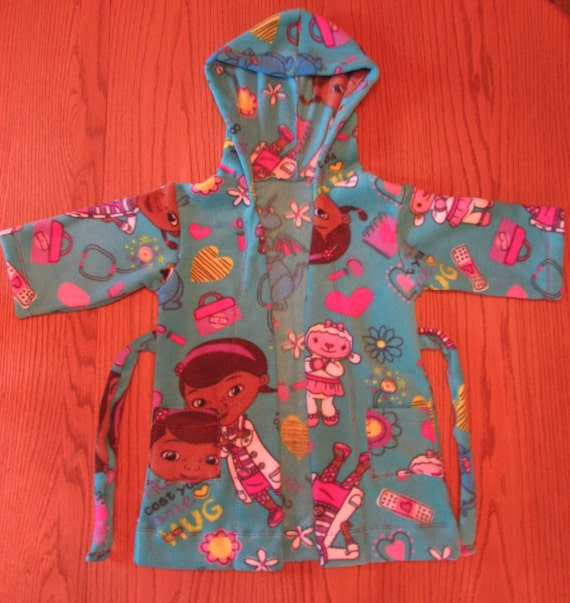 Doc McStuffin robe/Size 4T ready to ship/Doc McStuffin fleece robe/girls robe/fleece robe/long robe/robe with pockets/girls gift