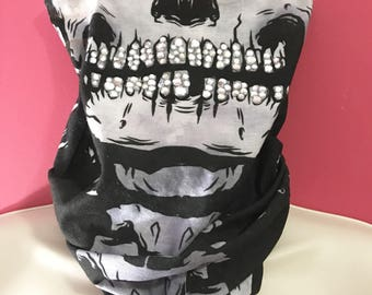 Seamless skull mask