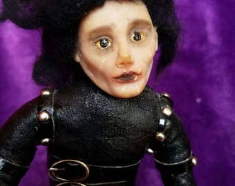 One of a kind Edward Scissorhands. Эдвард руки ножницы.