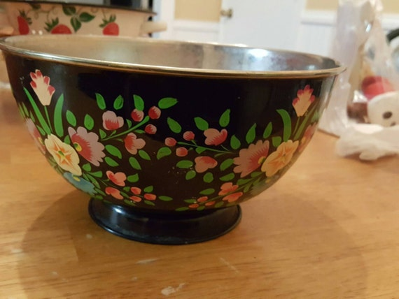 Vintage tole painted bowl kitchen table display flower - Kitchen table centerpiece bowls ...