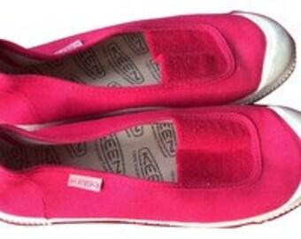 Women's KEEN pink flat vulcanized footwear Size 9
