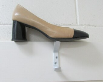 New Zealand made, 8 1/2, cream and black heels, tan and black heels,vintage shoes, vintage heel, vintage vibe shoes,great condition, 8 1/2