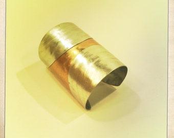 HALFMOONS CUFF Bracelet.