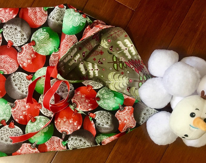 Featured listing image: Indoor outdoor snowball fight 10 balls and two storage bag and one special snowman face ball / summer and winter bag