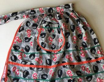 SALE! Vintage 1950s Rose and Fish et Motif Half Apron Skirt
