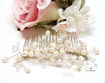 Pearl Bridal Hair Comb. Bridal fresh water pearl hair comb. Bridal Hair Jewelry, Pearl Hair Comb, Wedding Hair Comb, Wedding Hair accessory.