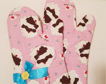 Country Sweetheart Oven Mitts