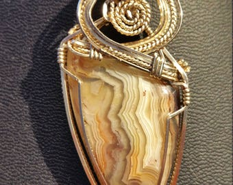Lace Agate pendant necklace in 14 K gold filled wire