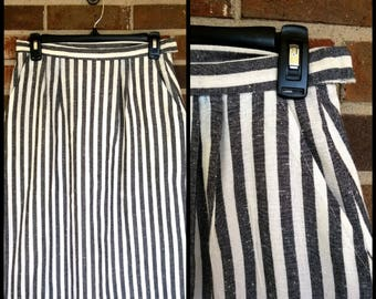 Awesome Black and White Striped Pencil Skirt w/ Pockets