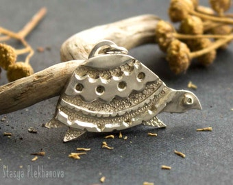 Turtle pendant. Sterling silver pendant. Turtle necklace.