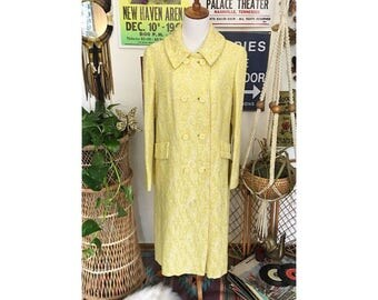 Vintage 60's yellow Pioneer Coat Co. Tapestry Mid- Length coat    Size 6-8 women's    