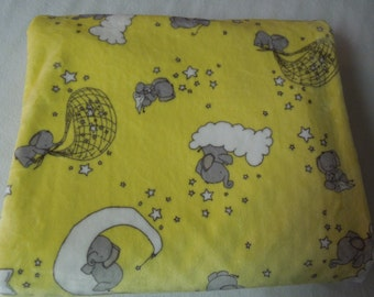 "Baby Elephants Sweet Dreams Minky Print Children's Blanket  40"" x 60"""