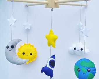 Baby mobile / Space mobile / Baby room decor / Modern Nursery mobile / Natural nursery decor / Made to Order