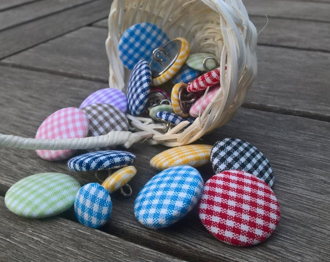 Gingham fabric button