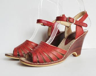 Red 70s Vintage Sandals // Ecco Brazil // Made By Reichert Sa // Leather Wedges // Size EU 36