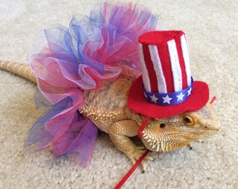 Patriotic Tutu and Hat for your Bearded Dragons!  One size fits most.