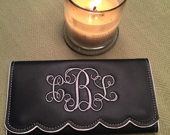 Classy Monogrammed Trifold Wallet, Scalloped Edge Wallet, Mother's Day Gift, Women's Monogrammed Wallet