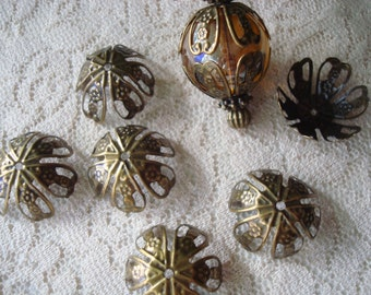 Sale! 22 Big Bronze Filligree Bead Caps. 16-25mm. Fancy Lotus Design & Flower Stamps. Adjustable, Filigree Antq Bronze Cap  ~USPS Ship Rates