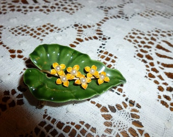 Vintage Green Leaf And Yellow Flower Brooch From The 1960's