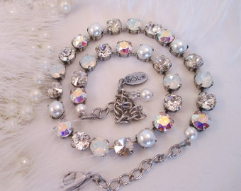 """BEST SELLER!  """"White Russian""""/Swarovski crystals/Cup chain necklace /White necklace/Neutral necklace/Pearl necklace/Bridal necklace"""