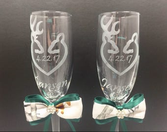 Mr. and Mrs. Toasting Flutes, Camo Wedding Toasting Glasses, Toasting Glasses, Champagne Glasses, Custom Etched Glasses, PERSONALIZED