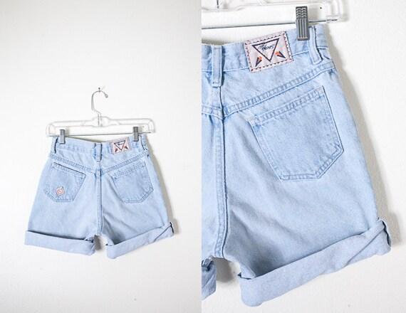 90s Denim High Waist Shorts, Vintage 90s Shorts, Blue Jean Shorts, Faded Light Blue Denim Shorts, High Waist Jeans, Mom Shorts, Mom Jeans