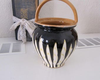 "Beautiful old ""Maternity jar"" in ceramic with lid, beautiful colors,"