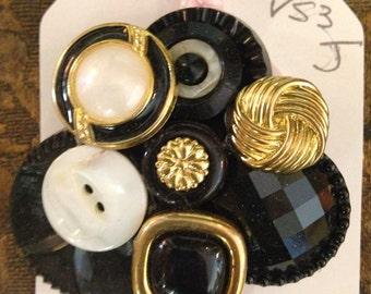 SALE! Vintage Black Button Cluster Brooch ~ Vintage Button Jewelry ~ Vintage Button Pin ~ Vintage Brooch Pin ~ Button Brooch ~ Vintage Pin