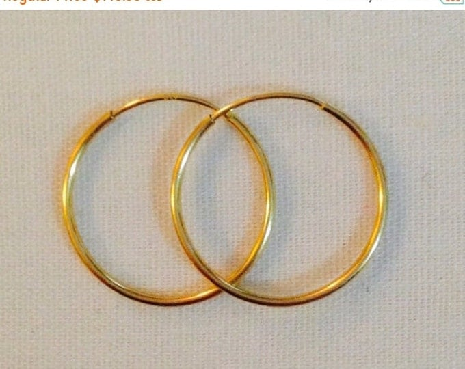 Storewide 25% Off SALE Vintage 14k Yellow Gold Wire Gauge Style Designer Hoop Earrings Featuring Elegant Petite Style Design