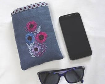 Case cell, cover glasses - Glasses box, Cell phone case, embroidery, Embroidery, in15