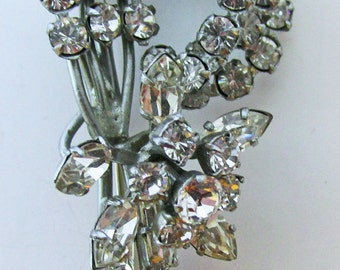 Unusual Vintage 1950s Silver Toned Three Dimensional Rhinestone Floral Pin