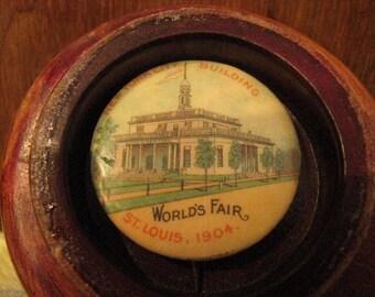 World's Fair Vintage Pin of New York City Building 1904