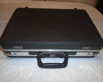 Airway Briefcase.  Vintage briefcase . Briefcase.