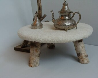 End table with cloth to lamb and Birch wood trunks
