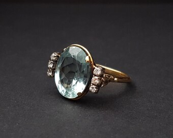 Gorgeous Vintage Aquamarine and Diamond 14k Ring