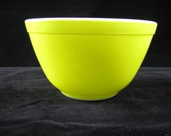 Vintage PYREX PRIMARY COLOR Yellow Mixing Bowl #401 1 and 1/2 pint retro kitchen
