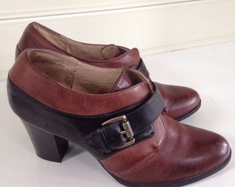 Vintage 90's leather ankle bootie - size 9