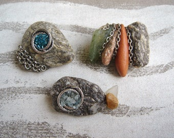 Set of 3 pins PEBBLES